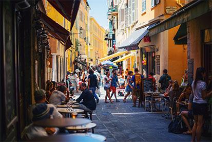 Student travel Australia to France